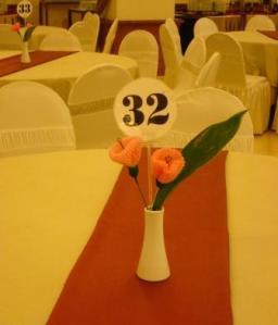 Tulip Pink penghias meja tamu. JPG