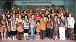 Sebelum berangkat ke Museum Tekstil 11 Okt 2009